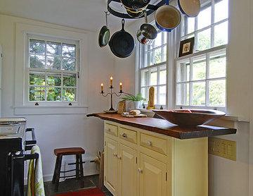 Retseck 65 Square Foot Kitchen