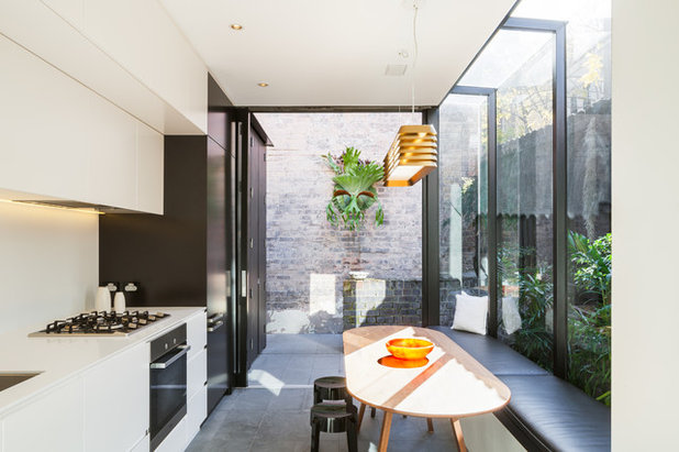 Contemporary Kitchen by jaa studio