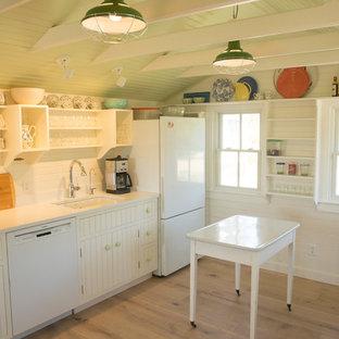プロビデンスのカントリー風おしゃれなキッチンの写真