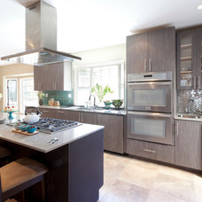 Contemporary Kitchen by Brunelleschi Construction