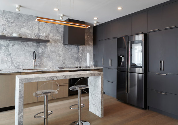 Modern Kitchen by Condovate Interiors Inc.