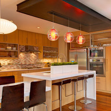 Contemporary Kitchen by Greico Designers/Builders Dallas