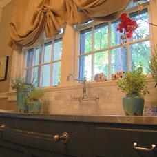 Traditional Kitchen by Leslie Stephens Design