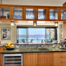 Contemporary Kitchen by Dyna Contracting
