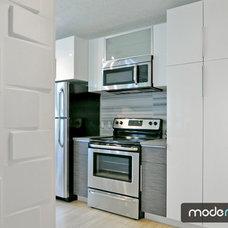 Modern Kitchen by Mode Modern