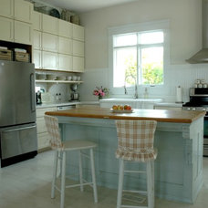 Eclectic Kitchen by Home & Harmony