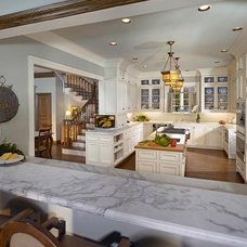 Traditional Kitchen by Right Angle Interiors