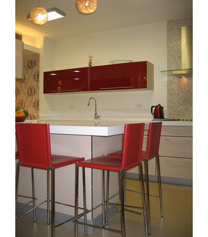 Contemporary Kitchen by Rina Magen