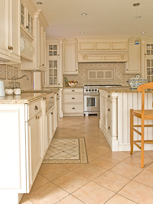Kitchen design photos with white cabinets and recessed panel cabinets