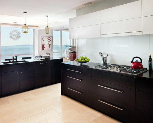 cuisine bord de mer avec un plan de travail en onyx photos et id es d co de cuisines. Black Bedroom Furniture Sets. Home Design Ideas