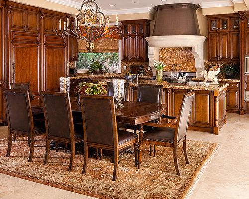 cuisine m diterran enne avec un sol en marbre photos et id es d co de cuisines. Black Bedroom Furniture Sets. Home Design Ideas
