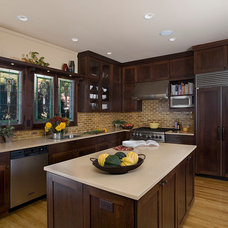 Traditional Kitchen by FRICANO CONSTRUCTION CO