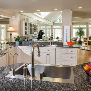 Traditional kitchen ideas - Inspiration for a timeless kitchen remodel in Milwaukee
