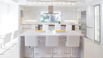 River Oaks Contemporary Kitchen