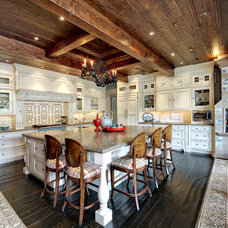 Traditional Kitchen by Gunson Custom Mountain Architects