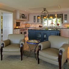 Traditional Kitchen by jka architect