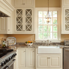 Traditional Kitchen by Carnes Home Builders