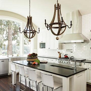 Riverfront: Kitchen