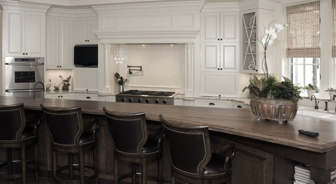 Traditional Kitchen by Kemp Hall Studio