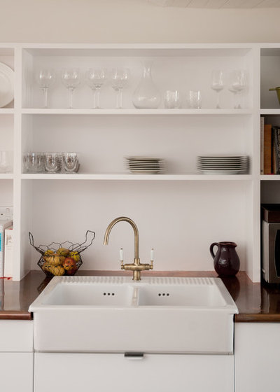 Contemporary Kitchen by Tipfords