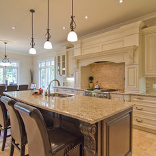 Traditional Kitchen by DCAM HOMES