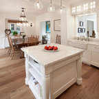 Mixing Colors For A Dramatic Look Traditional Kitchen