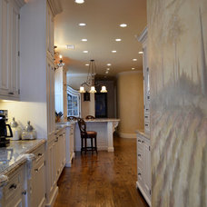 Traditional Kitchen by RNW Construction