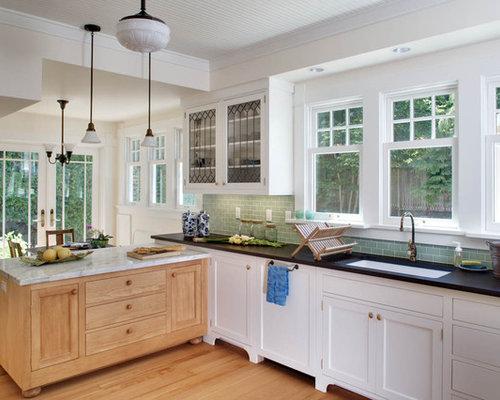 cuisine victorienne avec une cr dence verte photos et id es d co de cuisines. Black Bedroom Furniture Sets. Home Design Ideas