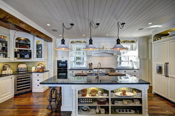 Rustic Kitchen by Clarke Muskoka Construction