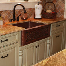 Traditional Kitchen by Roberts Kitchens