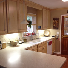 Traditional Kitchen by Lowe's of East Charlotte, NC
