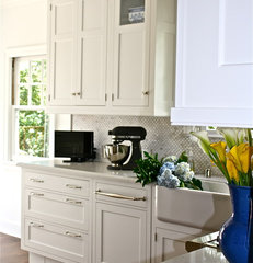 traditional kitchen by William Adams