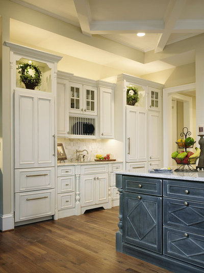 American Traditional Kitchen by Ferguson Bath, Kitchen & Lighting Gallery