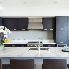 Contemporary Kitchen by C O N T E N T Architecture