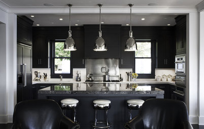Rooms Rock the Black Look