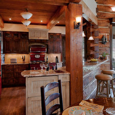 Traditional Kitchen by H. Allen Holmes, Inc.