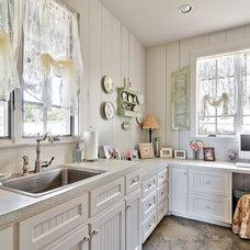 Farmhouse Kitchen by Schmidt Custom Homes