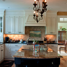 Traditional Kitchen by PNB Interior Design, Inc.