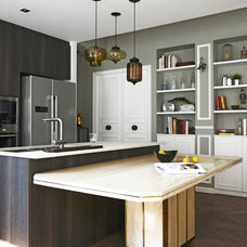Contemporary Kitchen by hoo Interior Design & Styling