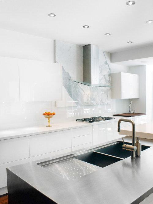 Sapphire High Gloss White Laminate Platform Bedroom Set: Rosedale Contemporary Kitchen