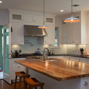 Kitchen - kitchen idea in Austin