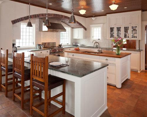 modelo de cocina en u de estilo americano con fregadero armarios estilo