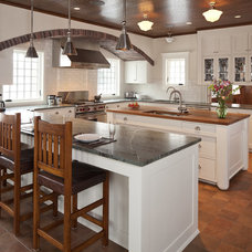 craftsman kitchen by Seavey Builders, Inc.