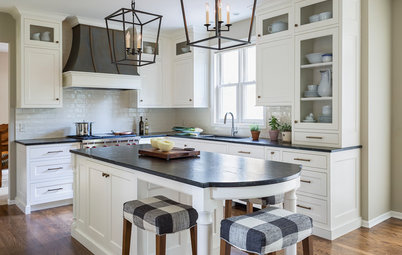 5 Smashing Black-and-White Kitchens in Different Styles