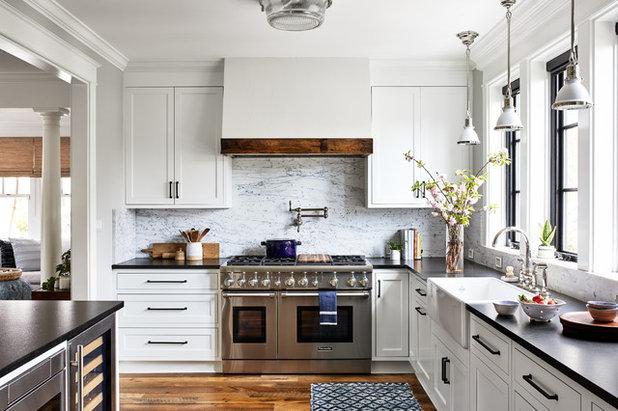 Coastal Kitchen by Convene Architecture