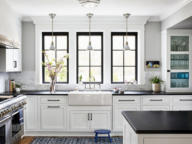 Coastal Kitchen by Laura Campbell Architecture