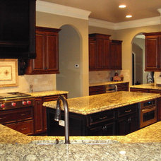 Traditional Kitchen by Murphy Home Builders, LLC