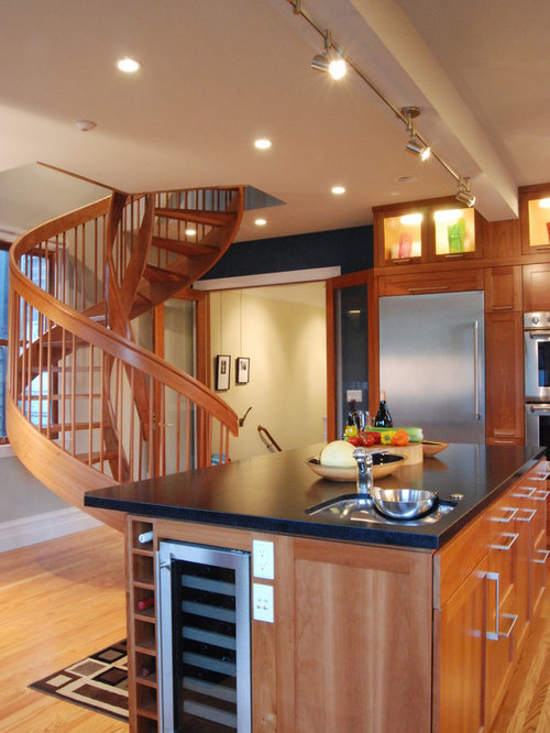 Transitional Kitchen Photo In San Francisco With Shaker Cabinets And Stainless Steel Appliances