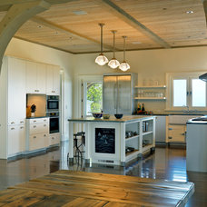 Beach Style Kitchen by Meyer & Meyer, Inc.