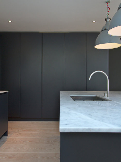 Roundhouse Urbo Grey Matt Lacquer Bespoke Kitchen With Zebrano Island photo - 6